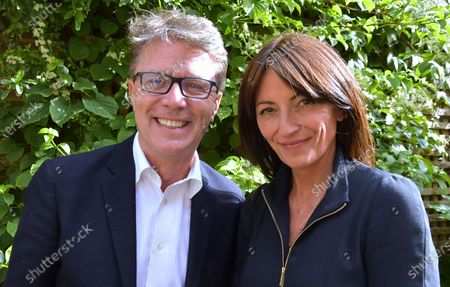 Stock Photo of Features - Long Lost Family: Born Without Trace - Nicky Campbell and Davina McCall