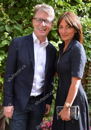 Stock Image of Features - Long Lost Family: Born Without Trace - Nicky Campbell and Davina McCall