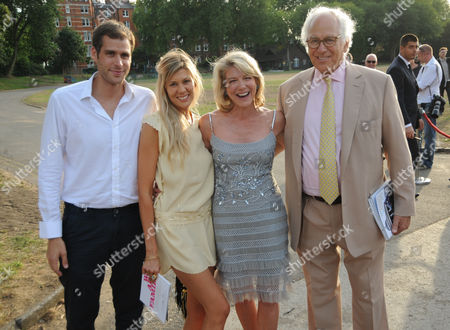 Lynn Forester de Rothschild (2nd right) and Sir Evelyn de Rothschild (right)
