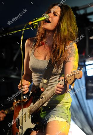 Stock Photo of Tiffany Page at the Queens Head Stage