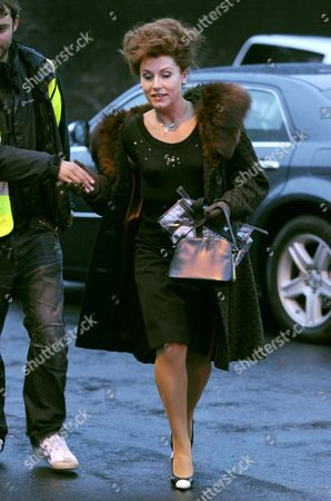Jessie Wallace  as Pat Phoenix