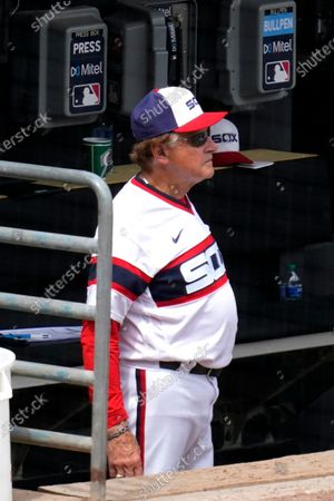 Chicago White Sox manager Tony La Russa watches his team during the fifth inning of a baseball game against the Detroit Tigers in Chicago