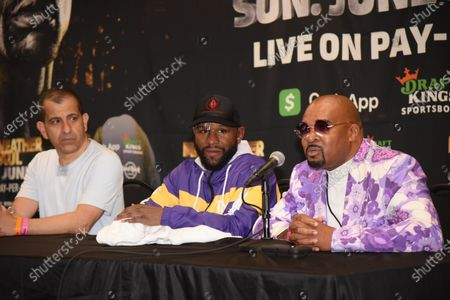 Floyd Mayweather Jr takes questions from the media after his 8 round contracted exhibition boxing match