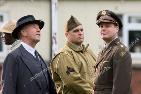 Episode: 'Killing Time' Pictured: Michael Kitchen as DCS Chrisopher Foyle, John Sharian as Calhoun and Adam James as Major Wesker.