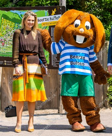 Queen Maxima visits the Zwolle region to discuss developments in the labor market, Beerze