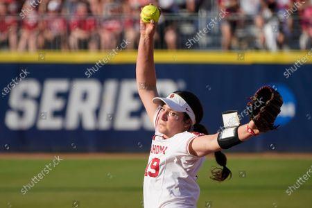 Oklahoma v Florida State, NCAA Softball Women's College World Series