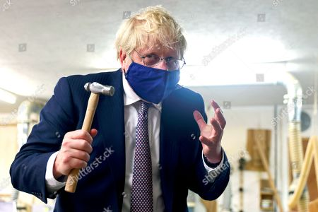 Boris Johnson visits Scott Woyka's workshop, Falmouth