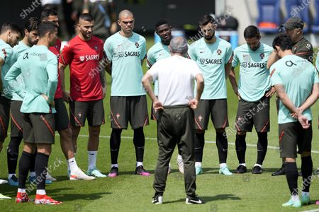 Portugal's national soccer team players Anthony Lopes (4-L), Pepe (C-L), Nuno Mendes (C), Bruno Fernandes (C-R) and Joao Moutinho (2-R) during a training session at the Illovszky Rudolf Stadion in Budapest, Hungary, 11 June 2021. Portugal will face Hungay in their UEFA EURO 2020 group F round soccer match on 15 June 2021.