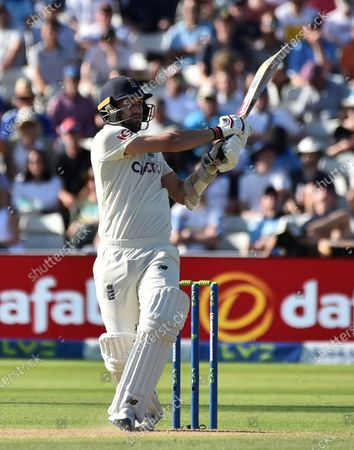 England's Mark Wood bats during the third day of the second cricket test match between England and New Zealand at Edgbaston in Birmingham, England