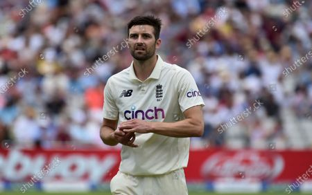 England's Mark Wood prepares to bowl during the third day of the second cricket test match between England and New Zealand at Edgbaston in Birmingham, England