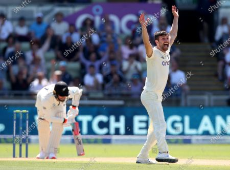 Mark Wood of England appeals succesfully for the wicket of Matt Henry of New Zealand
