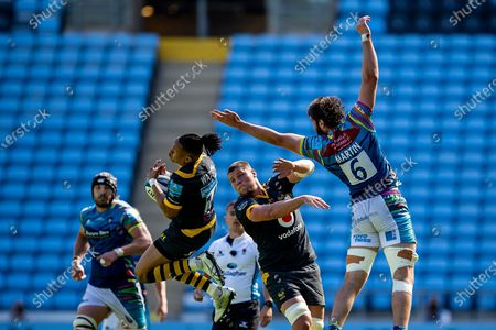 Marcus Watson of Wasps Rugby catches high ball during the Gallagher Premiership Rugby match between Wasps and Leicester Tigers at the Ricoh Arena, Coventry