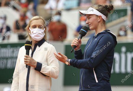 Winner Barbora Krejcikova of Czech Republic, trophy presenter Martina Navratilova (left)