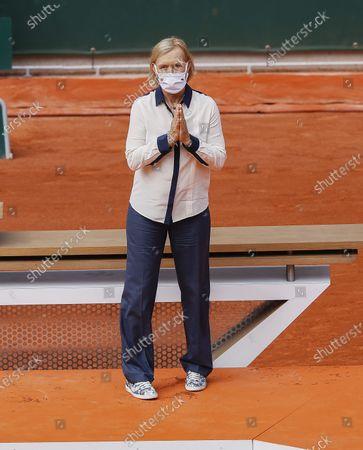 Martina Navratilova at the women's trophy ceremony
