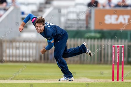 Michael Cohen of Derbyshire Falcons bowling during the Vitality T20 Blast North Group match between Derbyshire County Cricket Club and Warwickshire County Cricket Club at the Incora County Ground, Derby