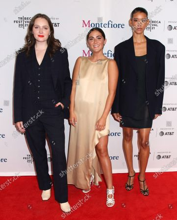Amy Forsyth, Isabelle Fuhrman and Dilone