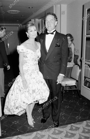 UNITED STATES - JUNE 01:  Frank Gifford and Television personality Kathy Lee Gifford