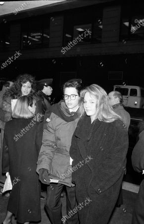 UNITED STATES - DECEMBER 01:  Helen Hunt and Mathew Broderick
