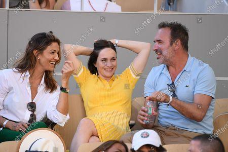 Jean Dujardin, Nathalie Pechalat and Nadia Fares in Roland Garros in Paris