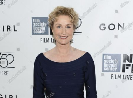 """Actress Lisa Banes attends the opening night gala world premiere of """"Gone Girl"""" during the 52nd New York Film Festival in New York on Sept. 26, 2014,. The """"Gone Girl"""" and """"Cocktail"""" actor has died after being injured in a hit-and-run accident in New York. A police spokesperson says the 65-year-old Banes died, at Mount Sinai Morningside Hospital. She was struck by a scooter or motorcycle while crossing a street on June 4"""