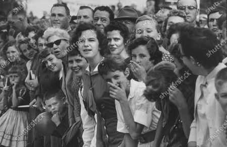 A crowd welcoming Miss America, Mary Ann Mobley, back to her hometown.