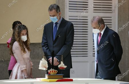 Stock Photo of Spain's King Felipe VI (C) receives the winners of the 'Que Es Un Rey Para Ti' (lit.: What is a King for you?) contest during an audience held at El Pardo Palace in Madrid, Spain, 17 June 2021.