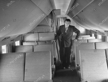 Donald Douglas Jr. on President Harry S. Truman's new plane The Independence.