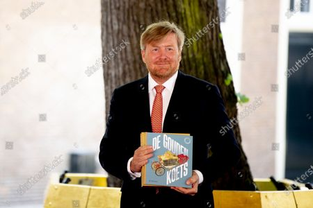 King Willem Alexander visits the Golden Coach, Amsterdam museum