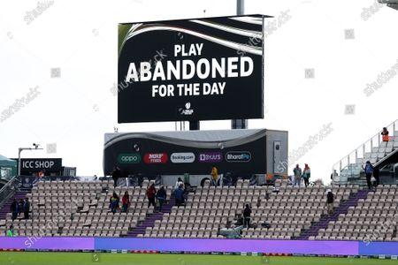 New Zealand v India, Day Three