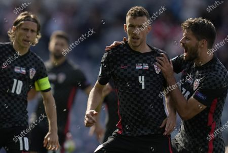 Ivan Perisic (C) of Croatia celebrates scoring the equalizer during the UEFA EURO 2020 group D preliminary round soccer match between Croatia and the Czech Republic in Glasgow, Britain, 18 June 2021.