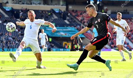 Ivan Perisic (R) of Croatia in action against Vladimir Coufal (L) of the Czech Republic during the UEFA EURO 2020 group D preliminary round soccer match between Croatia and the Czech Republic in Glasgow, Britain, 18 June 2021.