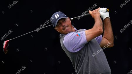 Matt Kuchar plays his shot from the seventh tee during the second round of the U.S. Open Golf Championship, at Torrey Pines Golf Course in San Diego