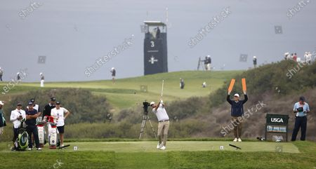 Marc Leishman of Australia hits his tee shot on the eighth hole during the second round of the 2021 US Open golf tournament on the South Course of the Torrey Pines Golf Course in San Diego, California, USA, 18 June 2021.