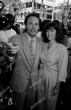 """UNITED STATES - JULY 14:  7/14/89 """"When Harry Met Sally"""" L.A. premiere; Billy Crystal and Janice Goldfinger"""