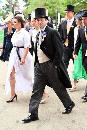 Peter Phillips arrives at Ascot