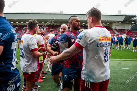 Nathan Hughes of Bristol Bears and Alex Dombrandt of Harlequins after Harlequins win the game in extra time 36-43