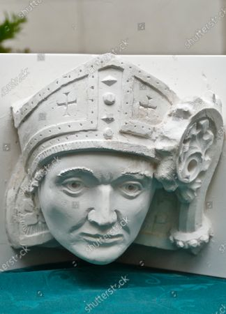 The cast of the new carved stone head on abbey gateway of Hugh Farendon, the last Abbot of Reading.People of Reading came together today to celebrate 900 years since Reading Abbey, one of EuropeÕs largest royal monasteries, was founded by King Henry I of England.Reading Abbey was founded in 1121 and was one of the wealthiest and most important monasteries of medieval England.Today, the remains of the Abbey can be found throughout the former precinct known as the Abbey Quarter in the heart of Reading, sharing the site with the Victorian Reading Prison buildings. It is a site of huge archaeological and historic importance.