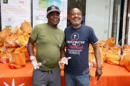 Food Bank for New York and Tracy Morgan Hand out food, Queens