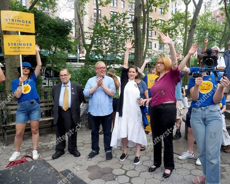 Jerrold Nadler joins New York City Mayoral candidate Scott Stringer and his wife Elyse Buxbaum at a GOTV Rally at Verdi Square, on West 73rd Street and Broadway in New York City