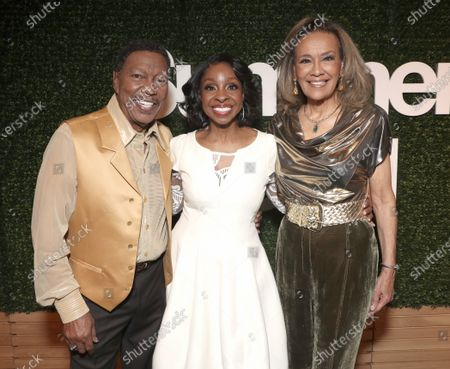 Exclusive - Billy Davis Jr. and Marilyn McCoo co-founders and lead vocalists of the original 5th Dimension pose with Gladys Knight