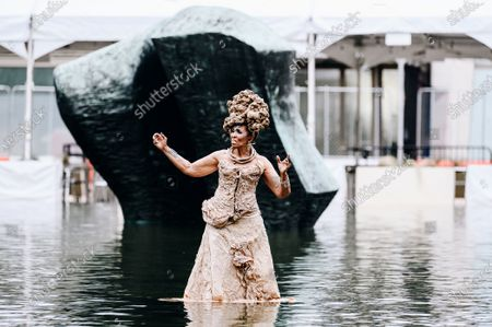Nona Hendryx peforms in the Milstein Pool at Hearst Plaza in Lincoln Center.