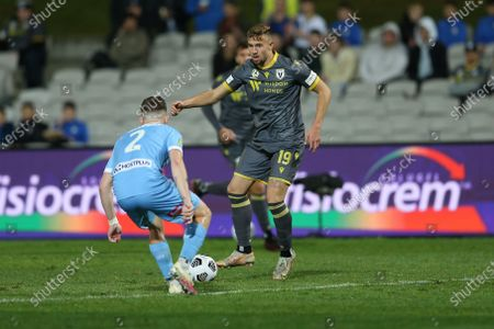 Michael Ruhs of Macarthur FC takes on Scott Galloway Melbourne City during the A-League semi final; Netstrata Jubilee Stadium, Sydney, New South Wales, Australia; A League Football, Melbourne City FC versus Macarthur FC.
