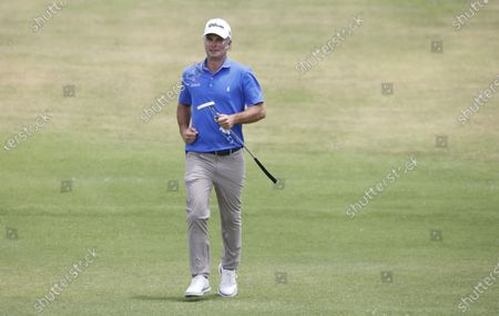 Kevin Streelman of the US jogs up to the green on the second hole during the final round of the 2021 US Open golf tournament on the South Course of the Torrey Pines Golf Course in San Diego, California, USA, 20 June 2021.