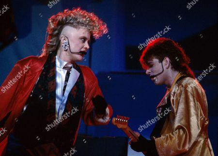 The Thompson Twins in concert at Wembley Arena - Alannah Currie and Tom Bailey