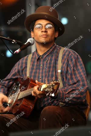 Dom Flemons of Carolina Chocolate Drops