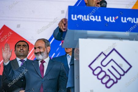 Nikol Pashinyan, main candidate for the Civil Contract party,  salutes to his supporters in a rally in Yerevan after winning the parliamentary elections in Armenia.