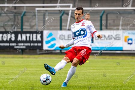 Kortrijk's Trent Sainsbury pictured in action during the match between KRC Harelbeke and Belgian first division soccer team KV Kortrijk, the first friendly match of KV Kortrijk, ahead of the 2021-2022 season, in Harelbeke, Tuesday 22 June 2021.