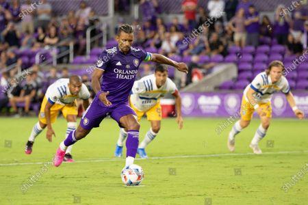 Nani (17 Orlando City) takes a penalty kick during the Major League Soccer game between Orlando City and San Jose Earthquakes at Exploria Stadium in Orlando, Florida.