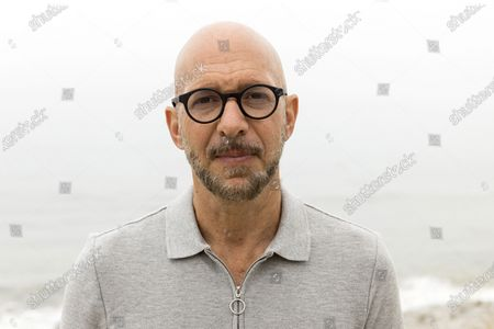 """Stock Picture of Author Neil Strauss, of the podcast """"To Live and Die in LA,"""" poses for a portrait, in Malibu, Calif. Strauss is back with a second season of his podcast, focusing on the 2017 disappearance of Elaine Park, a 20-year-old woman last seen in Calabasas, California"""