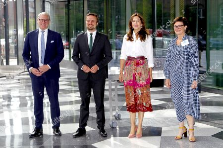 Crown Princess Mary participated in creative Denmark's launch event Creative Summit at DI Industriens Hus in Copenhagen.  The princess received a flower bouquet made of lego